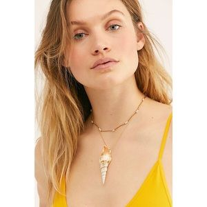 NEW Free People Lagoon Layered Shell Necklace